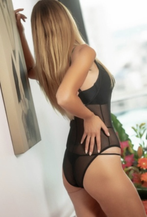 Escort: Amanda Elle Photo 3
